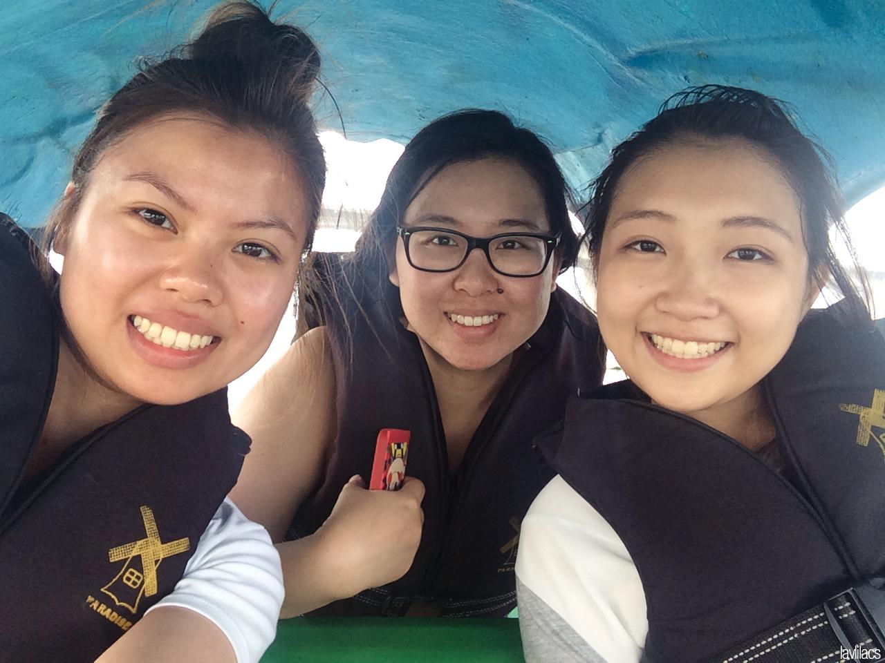Seoul, Korea - Summer Study Abroad 2014 - Yeouido Park - Han River - swan pedal boat selfie