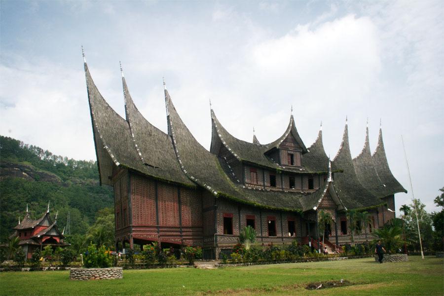 Aulia: Indahnya Indonesia - Istana Basa Pagaruyung