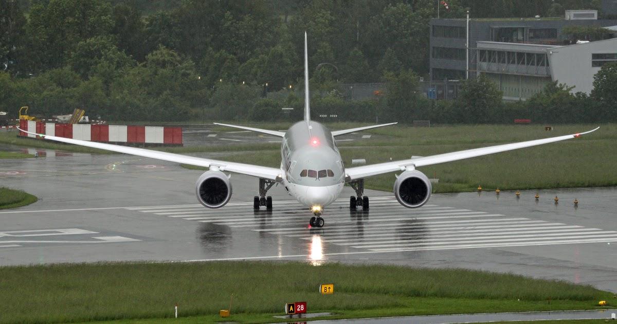 Qatar Airways Boeing 787 8 Set To Takeoff Aircraft