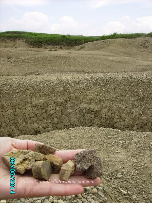 Have you ever wonder about the texture of the soil, how it can be at the mud volcanoes?! Just like that in up-close... So different types of rocks, right?
