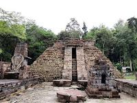 candi sukuh karanganyar, misteri candi dengan bentuk piramida suku maya