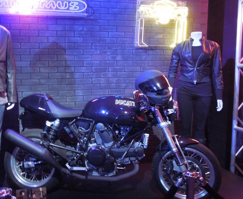 Sam Flynn Ducati Quorra Tron Legacy outfit