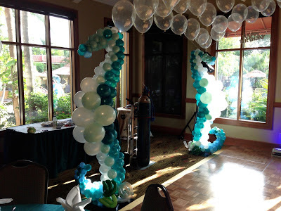 Dance floor decoration with seahorse balloon sculpture