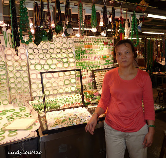 Faces On Friday - Hong Kong - Kowloon - Jade Market - Saleswoman