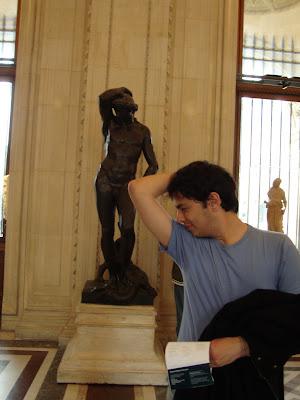 Eita que Catinguê da porra. Cadê o desodê? - Louvre - Paris - França