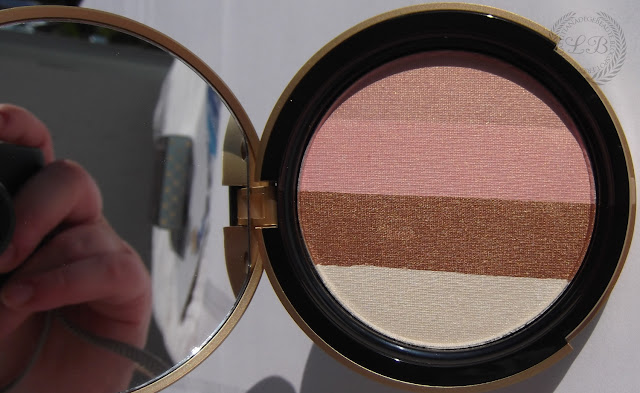 TOO FACED - Snow Bunny Luminous Bronzer.
