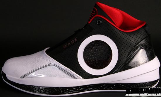387358-007 Black Varsity Red-White