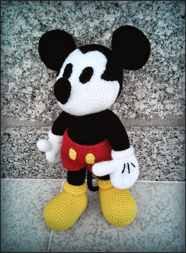 Mickey Mouse - Patron AMIGURUMIES