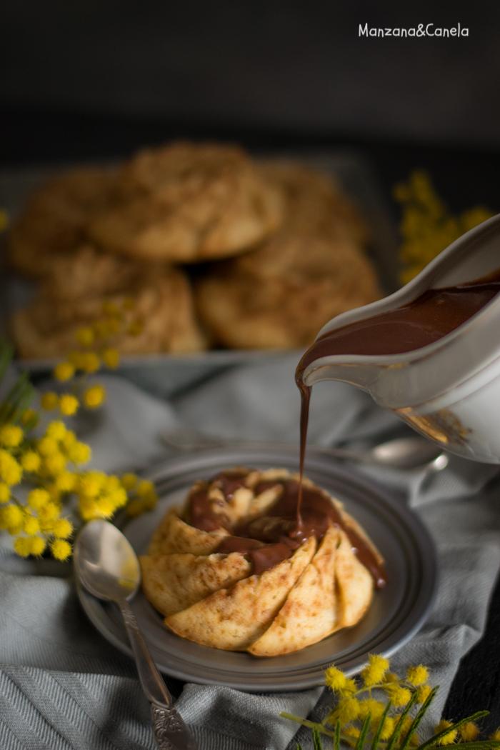 Bizcochitos de crème frâiche con baño de chocolate (receta sin azúcar refinado)