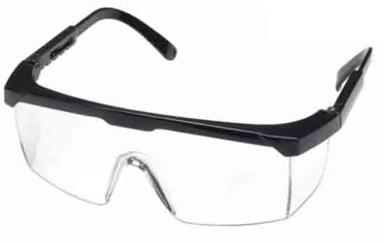 SAFETY GLASS : Kacamata bening yang biasa dipakai tukang las ini sangat memikat hati saya. Dan saya ada rencana untuk membelinya kelak suatu hari nanti.  Saya sudah pernah menggunakannya. Keren.  Foto Internet