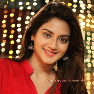 Nusrat Jahan Biography, Husband, Son, Daughter, Father, Mother, Brother, Sister, Family Photos