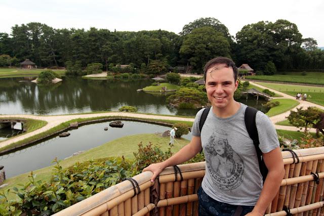 Alberto en los jardines Korakuen de Okayama