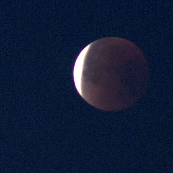 Lunar eclipse starts to end, 300 mm, 1/15 seconds (Source: Palmia Observatory)