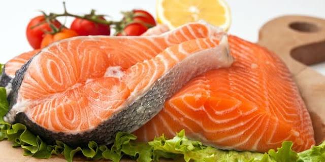 Có phải cá hồi nuôi là thực phẩm độc hại