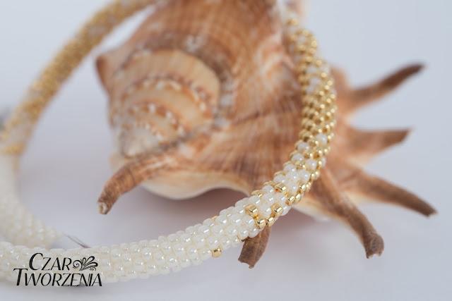 ecru ecri złoto sznur szydełkowy koralikowy