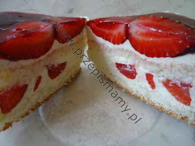Ciasto z masą serową i truskawkami