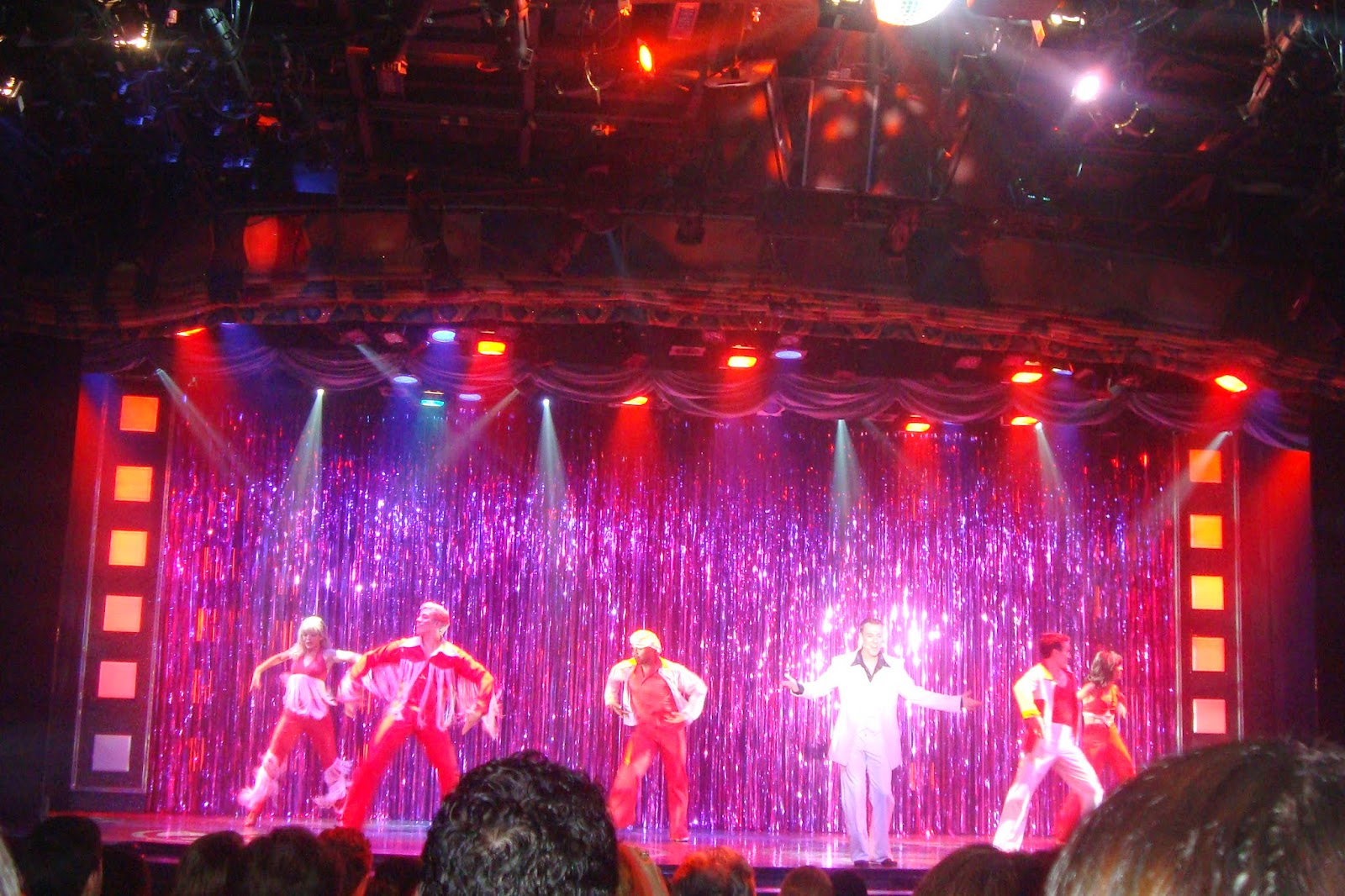 Show Spledour of the Seas