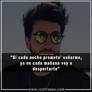 Sebastian Yatra con lentes