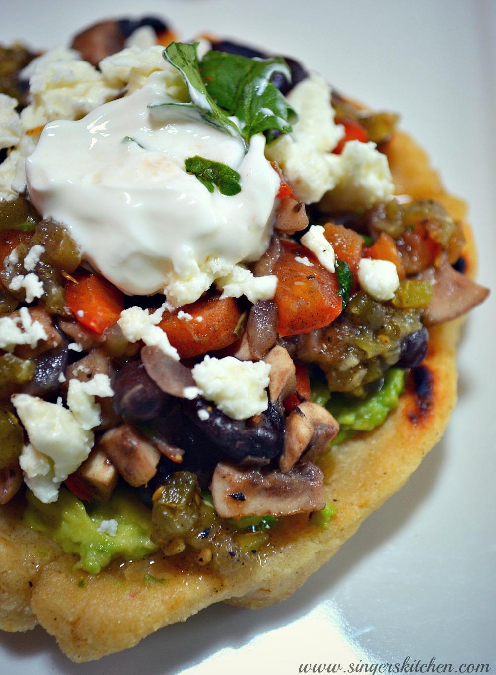 Quick Black Bean and Veggie Sopes #MasecaNosGusta - Opera ...