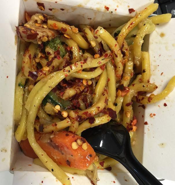 Flying Woks, food truck, egg noodles, chicken