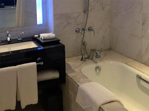 Marco-Polo-Hotel-(5-Star)-bilik-air