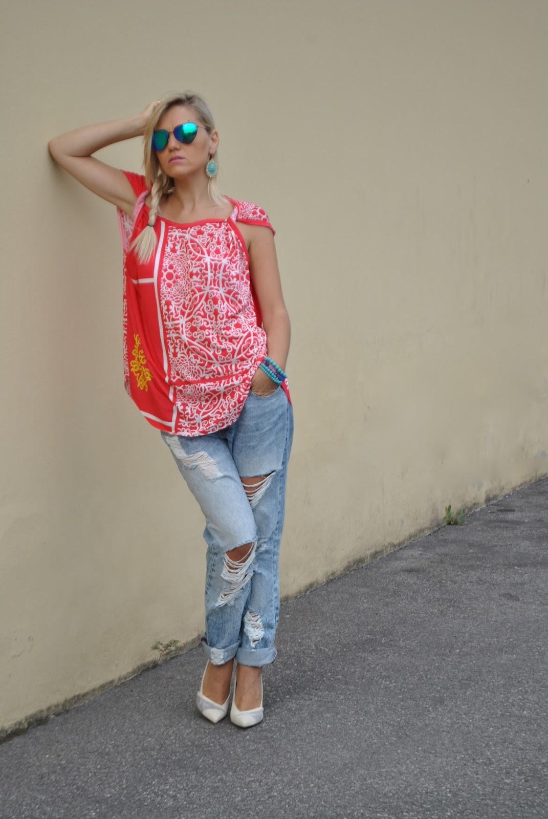 Color block by felym outfit ripped boyfriend jeans e - Pimkie boyfriend jeans ...