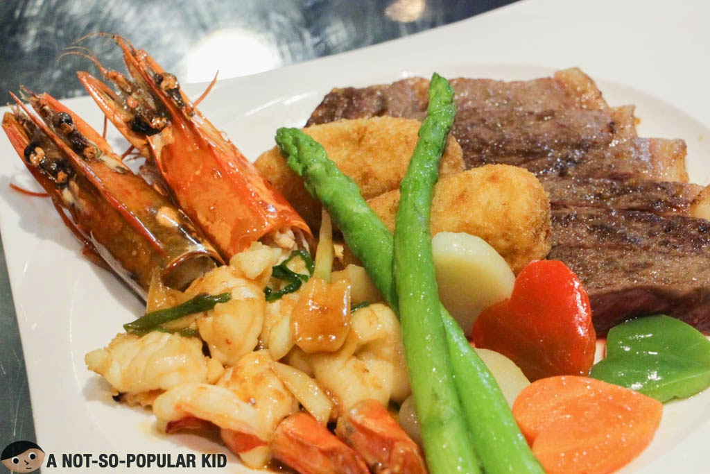 The highly memorable Steak and King Prawn dish of Ginzadon