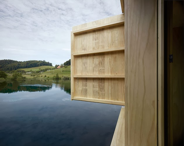 Model Desain Rumah Unik di Atas Danau