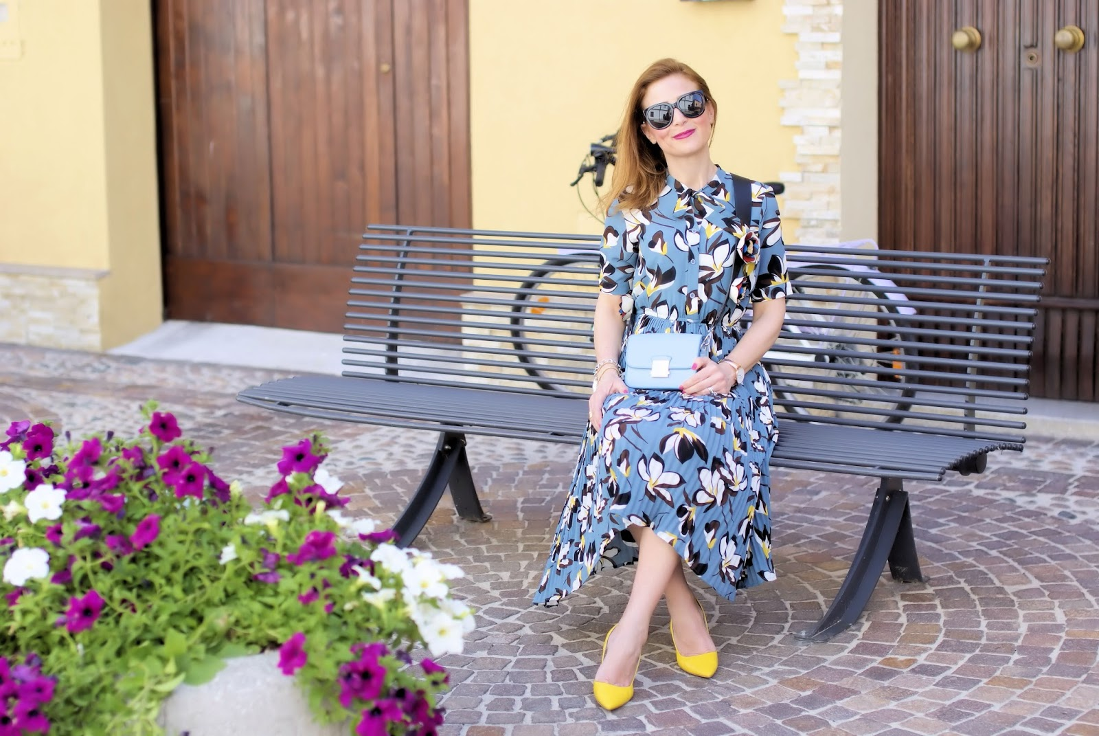 Summer outfit idea with a floral pleated midi dress from Metisu on Fashion and Cookies fashion blog, fashion blogger style