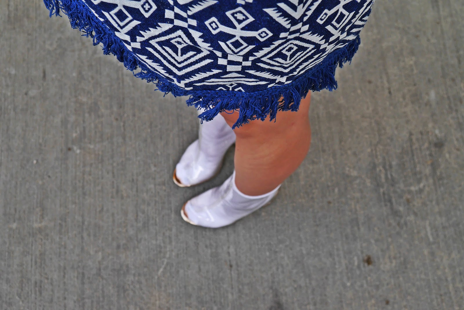aztec_print_dress_gamiss_transparent_shoes_yezzy_kenye_west_karyn_blog_modowy_030817c