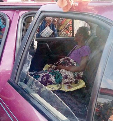 Woman Discharges MAGGOTS From Private Parts In Ogun