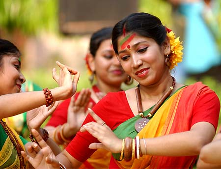 Click in Bengal!: Basant Utsav, FESTIVAL OF COLOURS in West