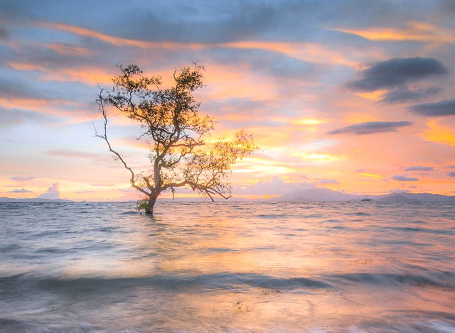 sunset di pantai sebalang