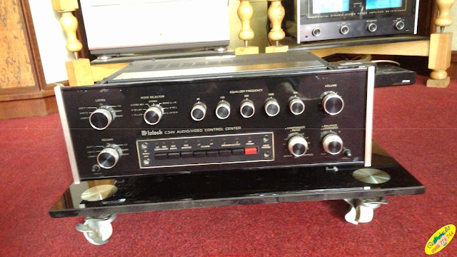 Pre-amplifier : C34V McIntosh - Made in USA