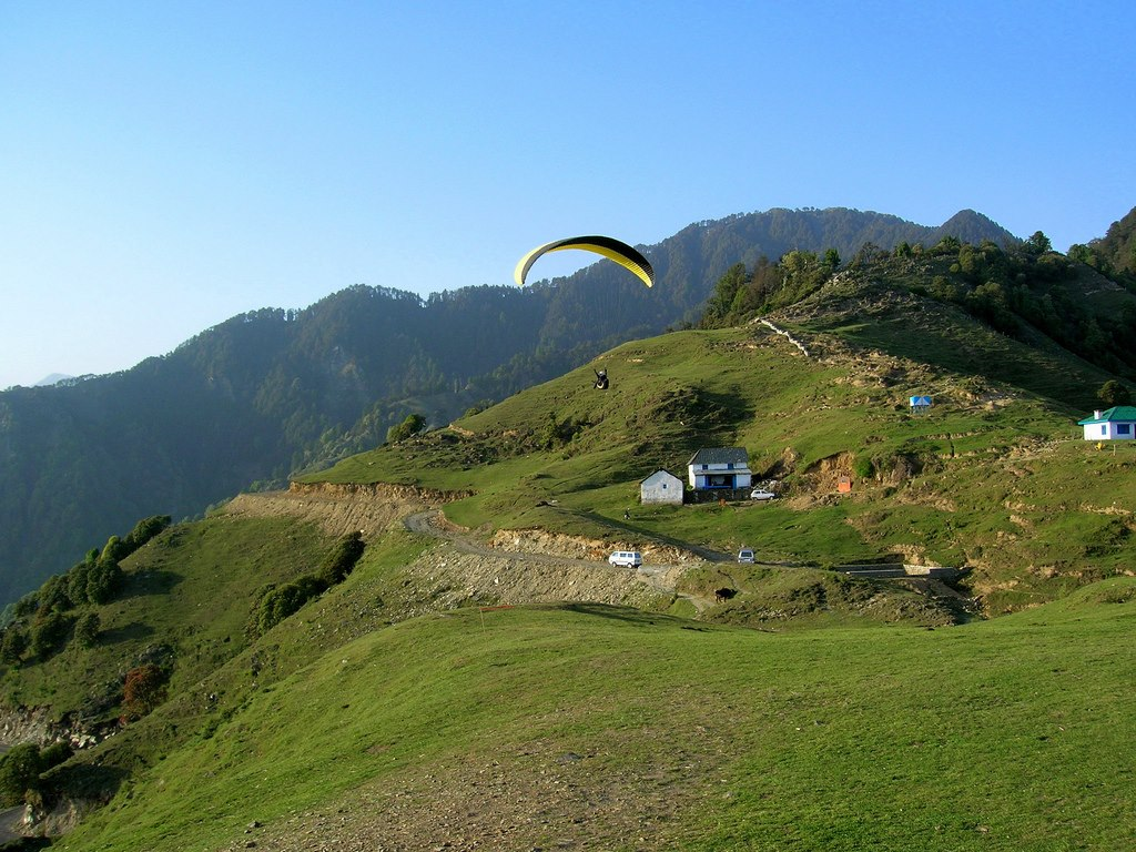Paragliding gliding and foot launched glider aircraft