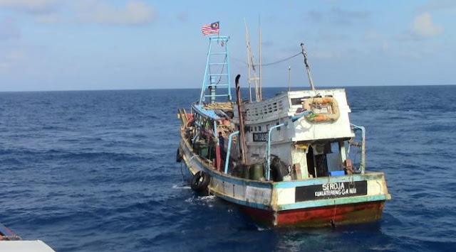 Lagi Lagi TNI AL Menangkap Kapal Malaysia Karena Langgar Batas Wilayah - Commando