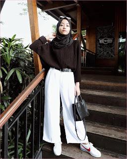 Outfit Celana Cullotes Untuk Hijabers Ala Selebgram 2018 hijab pashmina diamond kacamata handbags ikat pinggang hitam sweater kain wools coklat kets sneakers nike pants cullotes pallazo putih ootd trendy