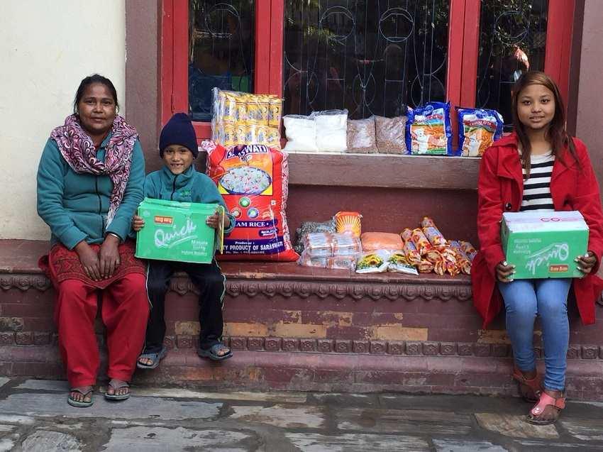 Ayuda enviada a las Viudas de Nepal