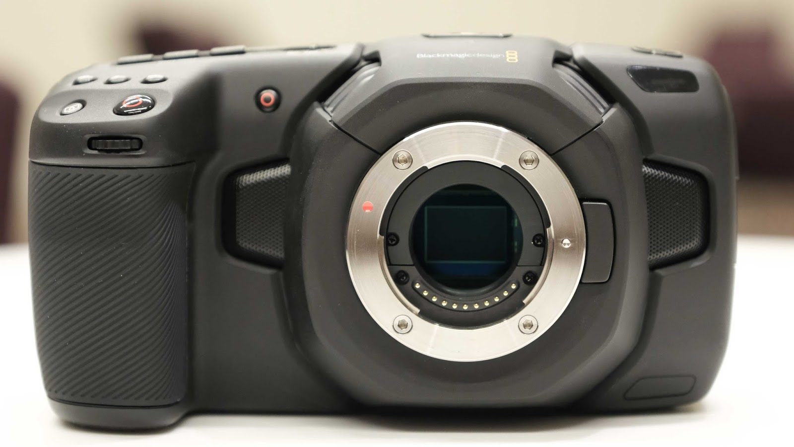 Blackmagic Pocket Cinema Camera 4K, байонет MFT