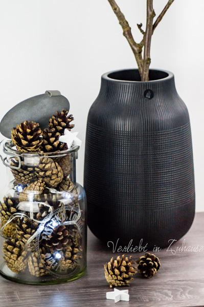 Der Gewinn: Verlost wurde die Vase Groove (House Doctor) und ein Vorratsglas mit Metalldecke (Hübsch Interior)