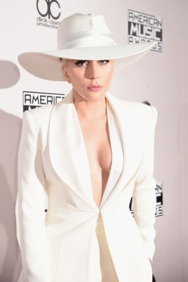 Lady Gaga is #AttireGoals as she steps out for 2016VMAs in all white