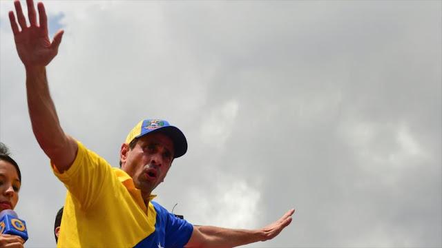 """Maduro llama a Capriles """"asesino"""" y lo culpa de muerte de policía"""