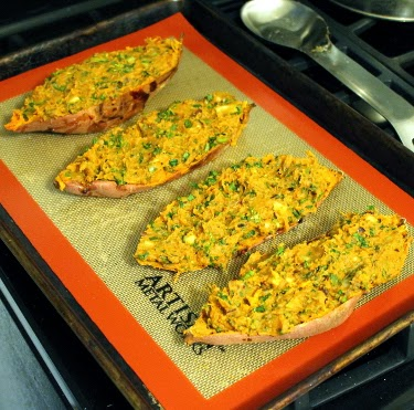 Twice-baked sweet potatoes with black beans and broccoli