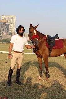 Randeep hooda with a Beautiful HorseJPG (4).JPG