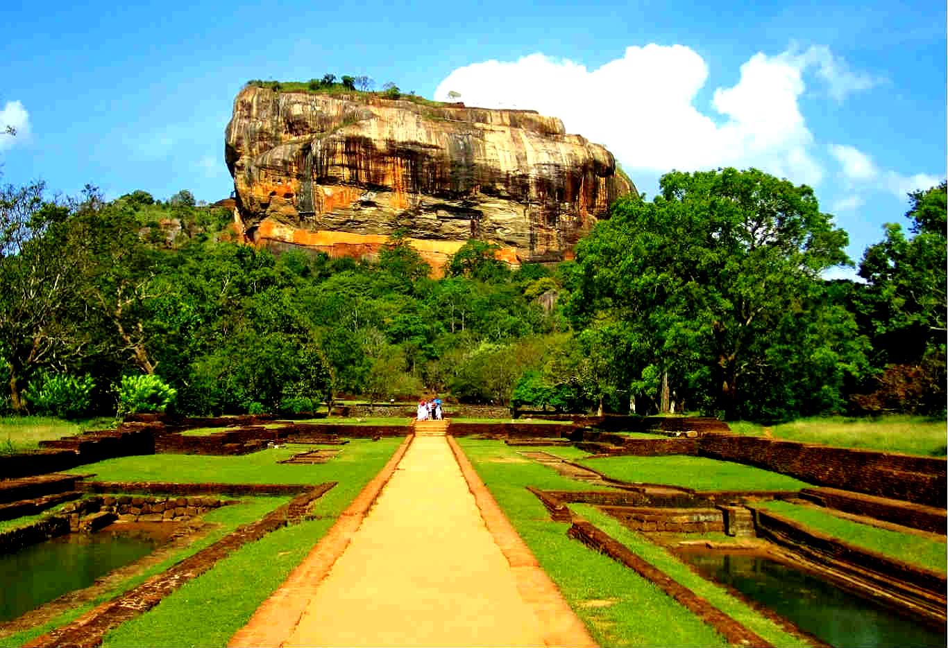 Best Places To Visit In Sri Lanka | Around The World ලොව