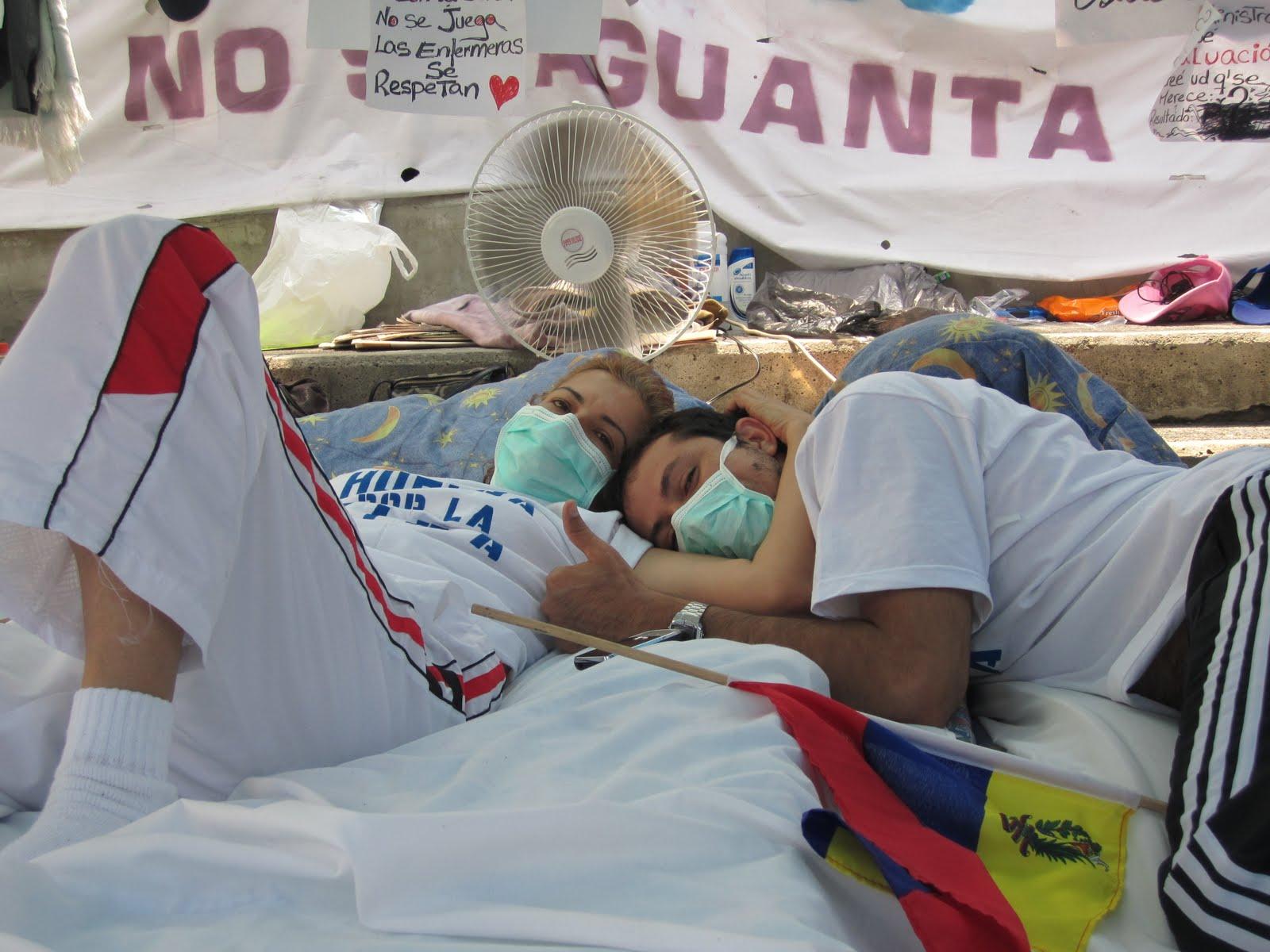 Noticias: #DDHH Huelga de hambre con huelga de sangre y la