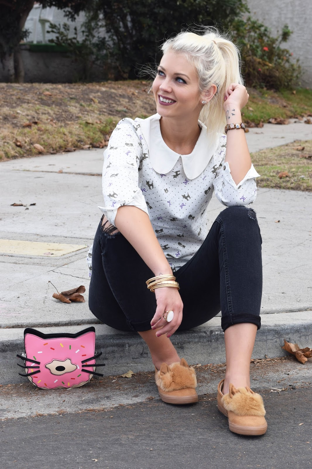 Sincerely Sweet Boutique, Rebels Marekt, Cat, Cat purse, Donut purse, Cat shirt, cat blouse, fluffy shoes