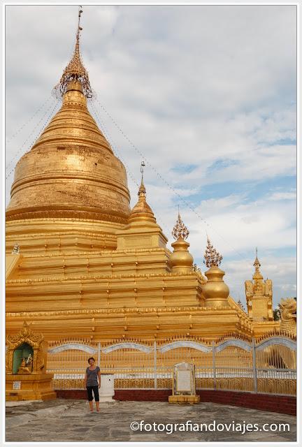 Kuthodaw paya en Mandalay, Myanmar