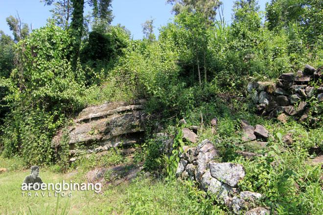 akses candi miri sleman yogyakarta batu gunung