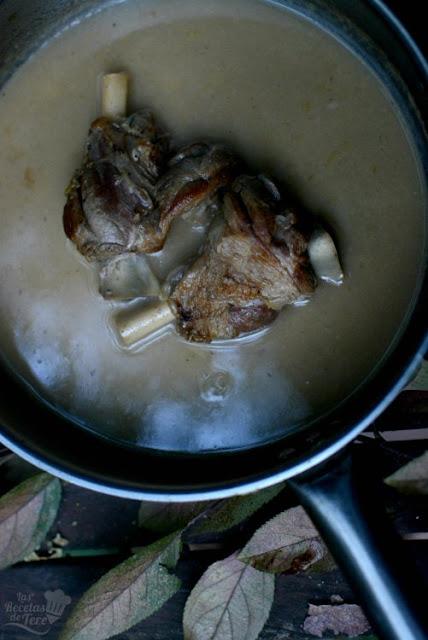 Jarretes de cordero al vino blanco 03